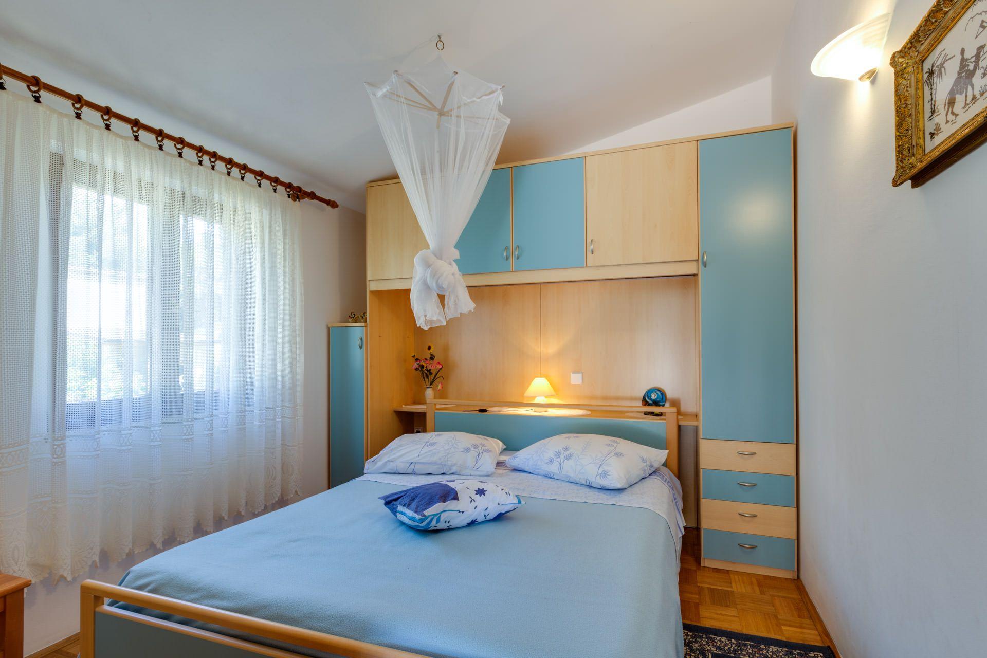 Artatore lussino appartamento 4 persone vacanze estive 1 for 2 appartamenti della camera da letto principale