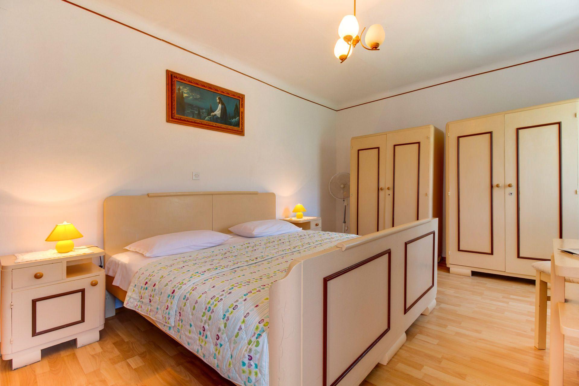 Lussino case vacanze lussino lussingrande appartamento for Piani appartamento 1 camera da letto