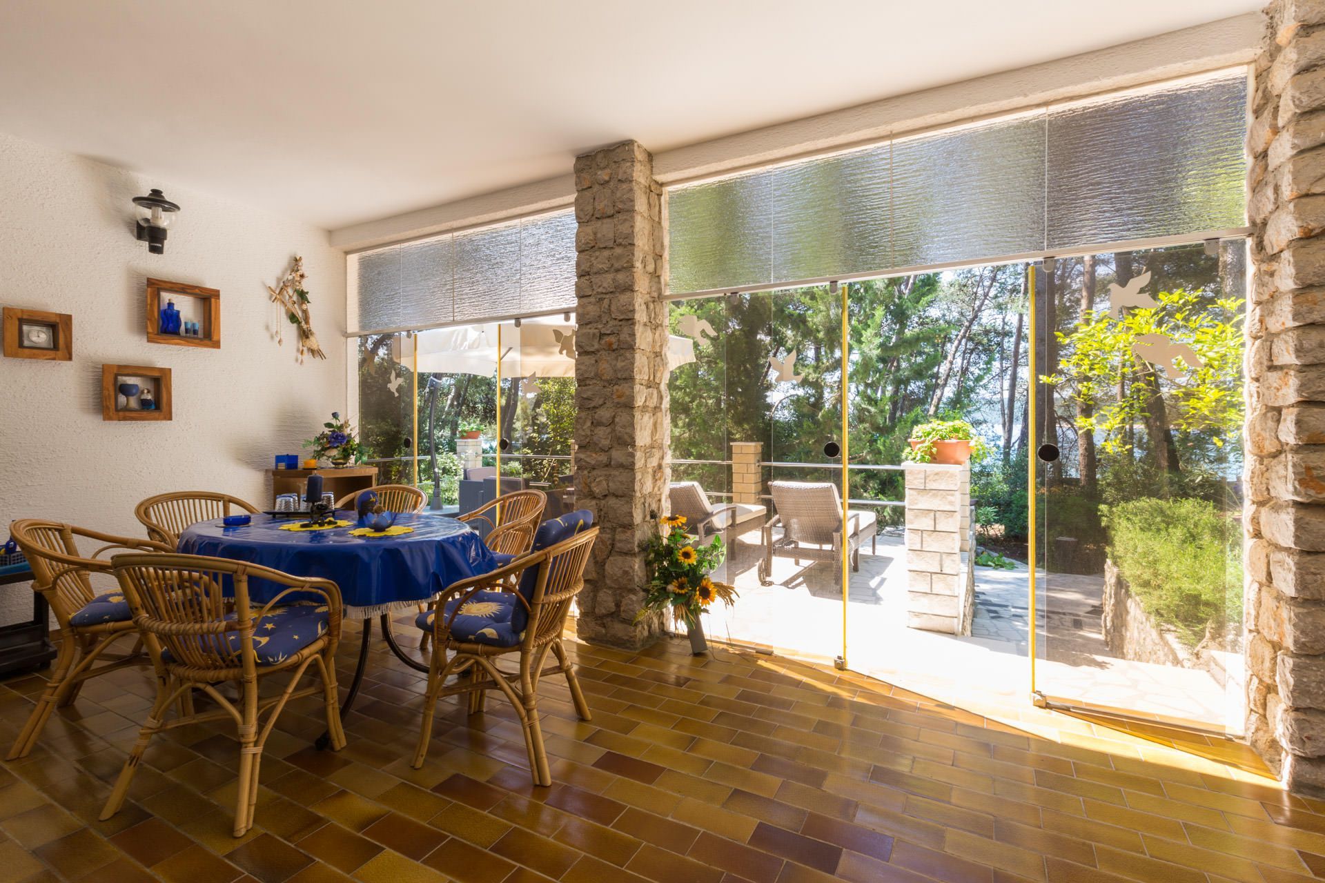 Artatore appartement hr art 04624 zur miete artatore for Veranda englisch