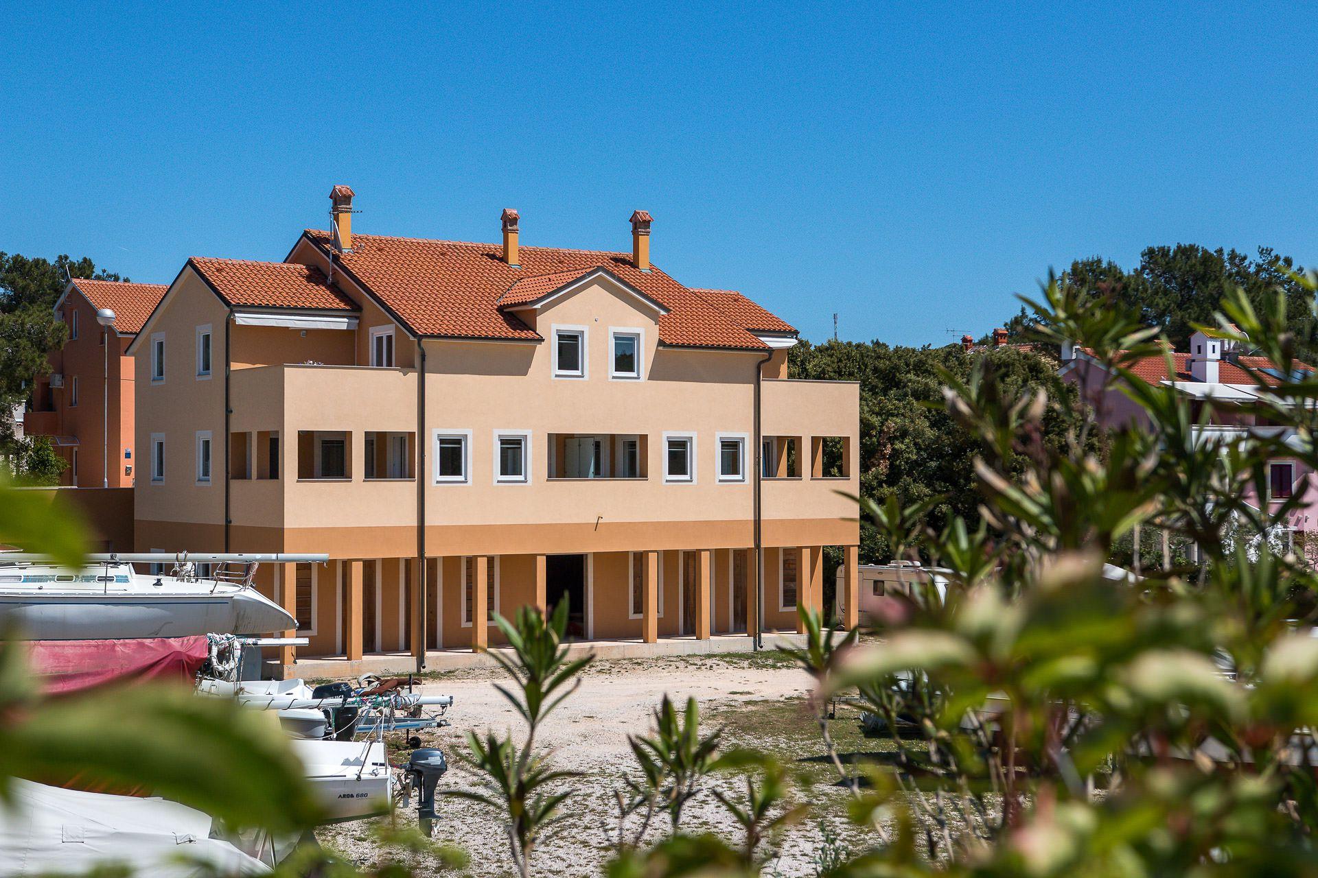 Artatore appartamenti vacanze artatore lussino croazia hr for Appartamenti vacanze affitto
